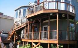Deck railing in Redwood City